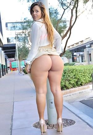 Big Ass Public Porn Pictures